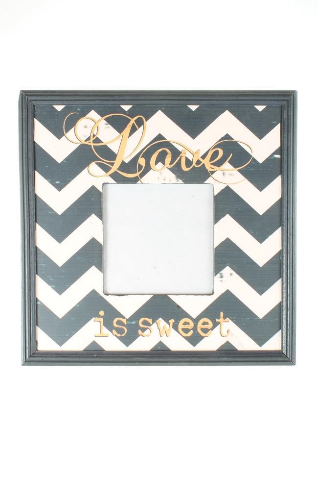 Dřevěný vintage fotorámeček Love is sweet